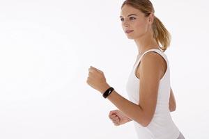 Фитнес гривни и часовници